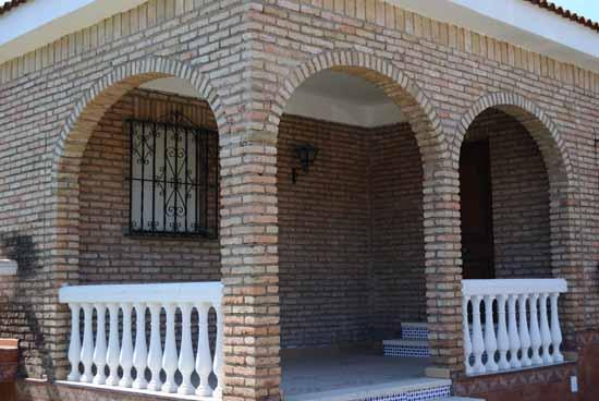 Ladrillo r stico coriano for Fachadas de ladrillo rustico